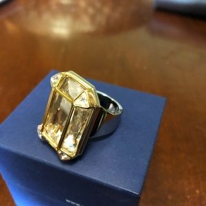 Swarovski Ring, Beautiful, Large Swarovski stone